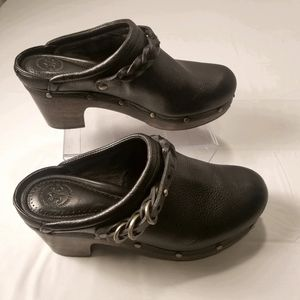 Johnston and Murphy leather mules, clogs size 7